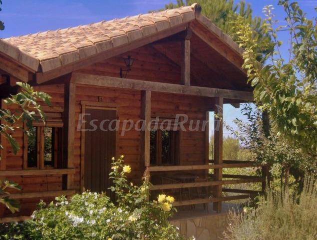 Casas de madera los molinos casa rural en ossa de - Casas rurales de madera ...