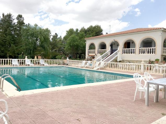 Villa c ndida casa rural en villar de chinchilla albacete for Piscina y candidiasis
