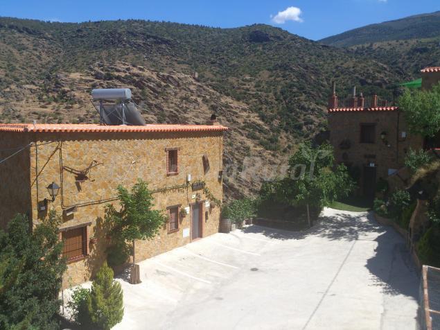 Casas rurales la jirola casa rural en abrucena almer a for Casa ciudad jardin almeria