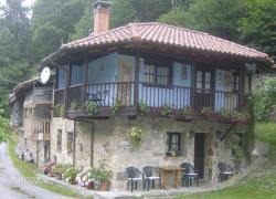 Casa Raicéu (Asturias)