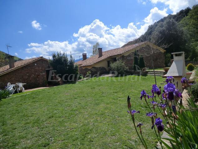 Masia les illes casa rural en montseny barcelona for Casa rural montseny