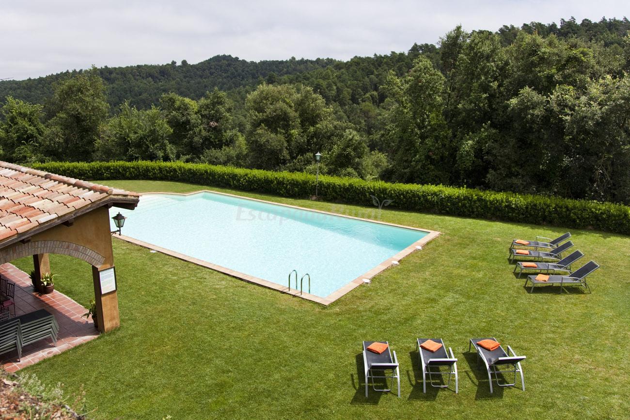 Fotos de el munt casa rural en castellter ol barcelona for Casa rural jardin oriental
