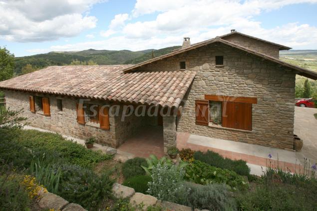 Entre roures casa rural en moi barcelona - Casas rurales e ...
