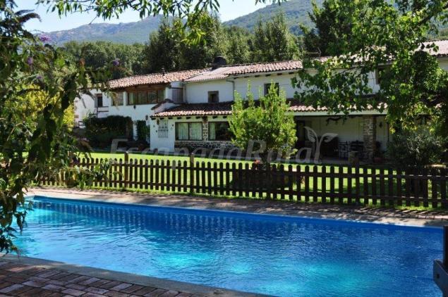 Casas rurales la caseria casa rural en navaconcejo c ceres for Escapada rural piscinas naturales