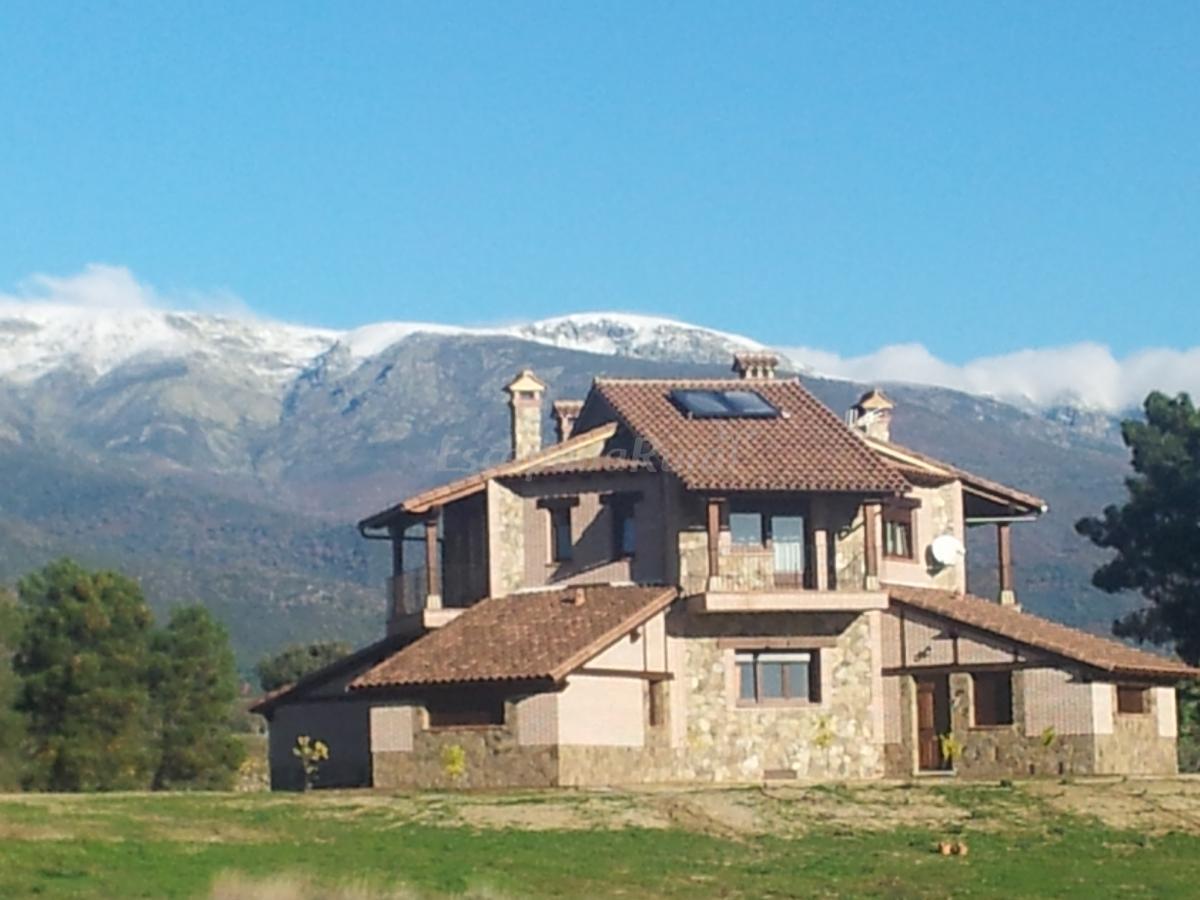 Fotos de la casa del mundo casa rural en villanueva de for Casa rural jaraiz de la vera