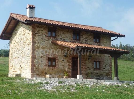Casa alba casa rural en beranga cantabria - Chalet de madera y piedra ...