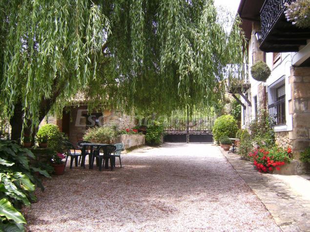 Viviendas rurales y apartamentos fernando casa rural en santillana del mar cantabria - Casas rurales con spa en cantabria ...