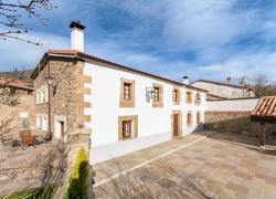 La Casona De Los Pedros (Cantabria)