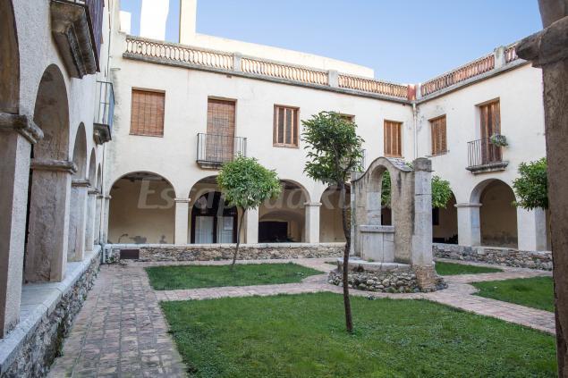 Casa convent casa rural en peralada girona - Casa rural 11 personas ...