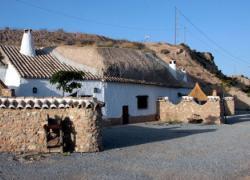 Cuevas Pinomojón (Granada)