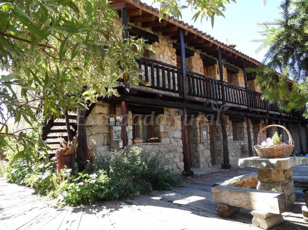Casas y apartamentos rurales chon alto tajo casa rural en peralejos de las truchas guadalajara - Casas rurales guadalajara baratas ...