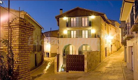 Hotel casa rural el pilaret casa rural en azanuy huesca - Casa rural huesca jacuzzi ...