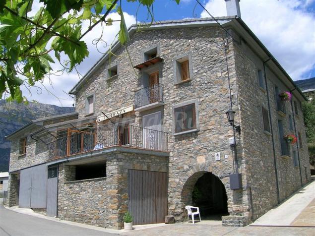 Casa vilas casa rural en la cabezonada huesca - Casa rural la zubia ...