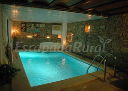 Casa churchill casa rural en claverol lleida for Apartamentos rurales con piscina