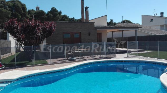 La caseta del parc casa rural en t rrega lleida - Casas rurales lleida piscina ...