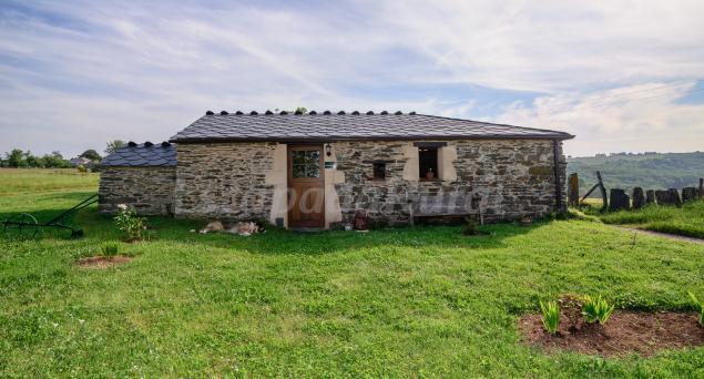 As pardas casa rural en a fonsagrada lugo for Casa rural lugo piscina