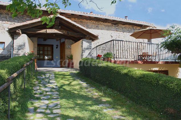 Fotos de juansarenea i y ii casa rural en arruitz navarra - Terenes casa rural ...