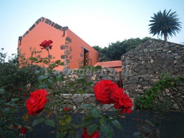 Casa rural gran drago casa rural en san miguel santa for Casa rural con piscina en tenerife