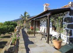 Casa Los Abuelos y los Geranios (Santa Cruz de Tenerife)