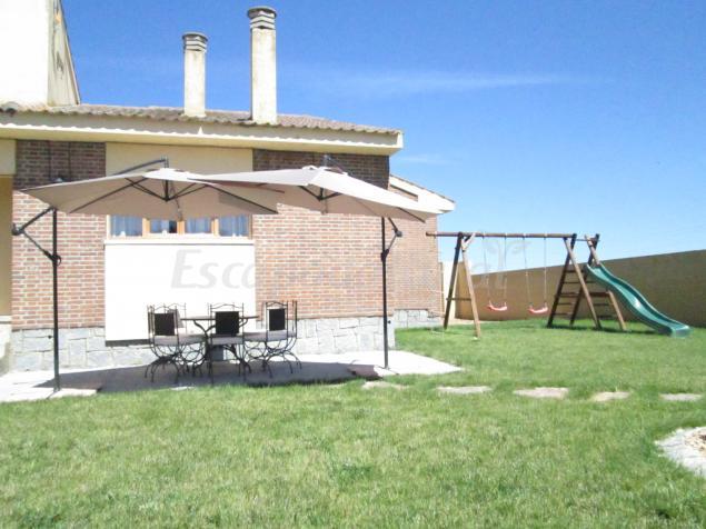 La casa de paco cabrera casa rural en narros de cu llar segovia - Casa rural cuellar ...