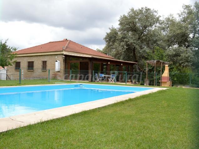Casa rural ribera del hu znar casa rural en cazalla de for Casa rural sevilla piscina