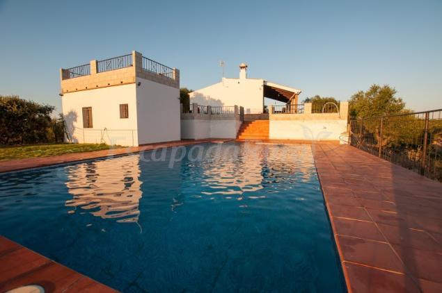 Bellas vistas casa rural en la puebla de los infantes for Casa rural sevilla piscina