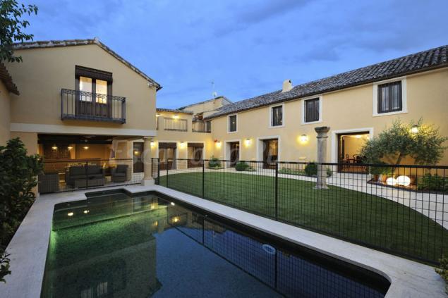 Fotos de villa cornelius casa rural en las herencias toledo - Casas rurales con piscina cerca de madrid ...