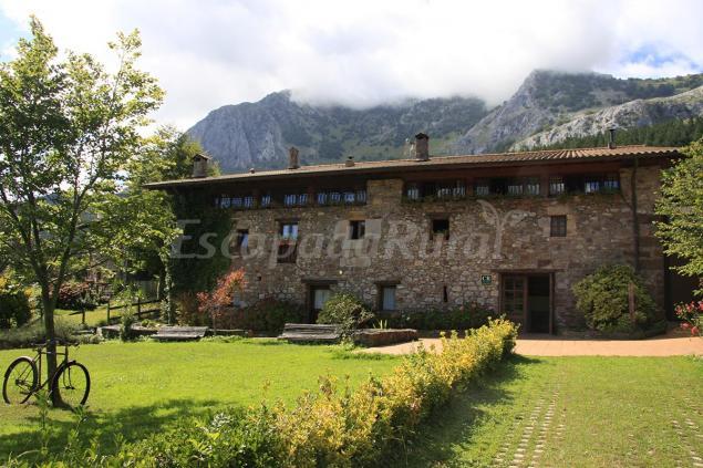 Olazabal azpikoa casa rural en atxondo vizcaya - Casas rurales pais vasco frances ...