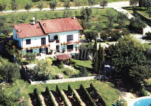 Saralisa casa rural en montecarlo lucca for Prezzi case montecarlo