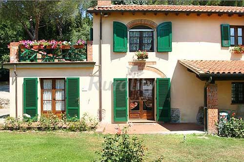 Foto di collina toscana casa vacanze apozzarello pistoia for Casa suocera in vendita