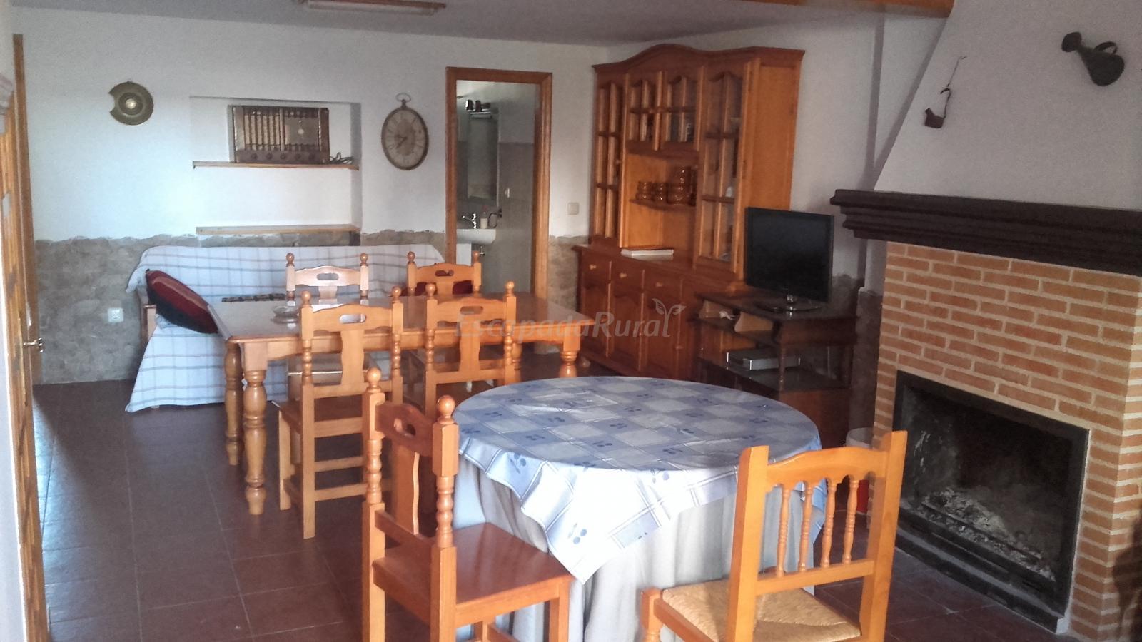 Fotos de casas rurales de viveros casa rural en viveros for Viveros albacete