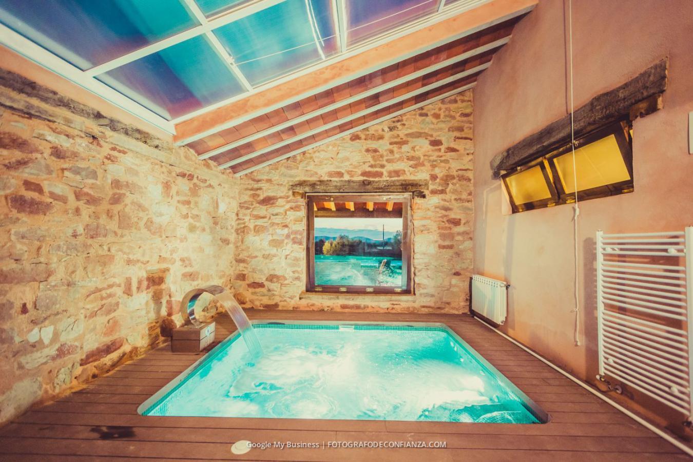 Fotos de finca spa vereda real casa rural en alcaraz for Piscina interior