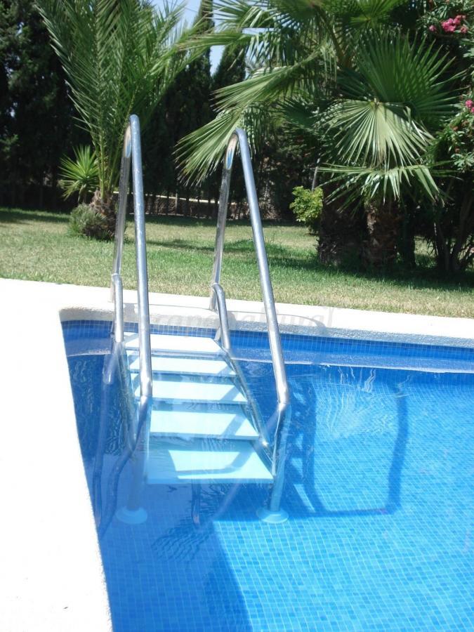 Fotos de casa rural finca el romero casa rural en for Escaleras de piscinas para personas mayores