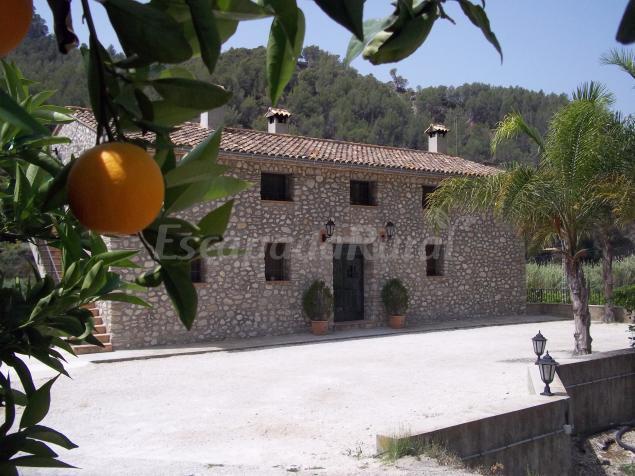 Casa mika casa rural en el castell de guadalest alicante - Casa rural guadalest ...