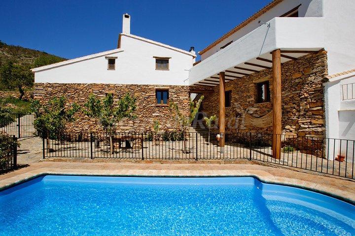 Fotos de cortijos rurales reul alto casa rural en laroya for Inmobiliarias de almeria