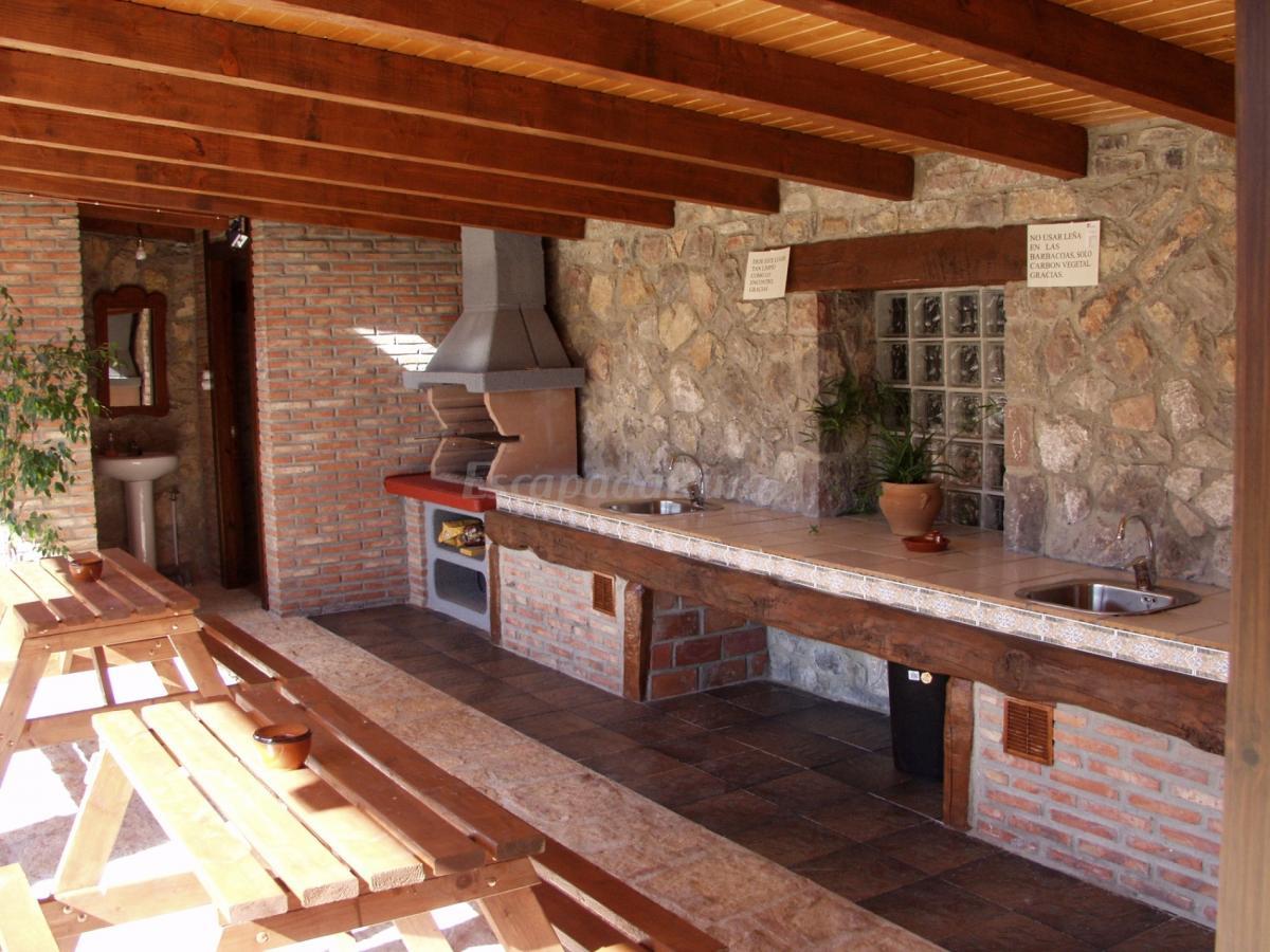 Fotos de apartahotel la llobera casa rural en pendueles asturias - Planos barbacoas de obra ...