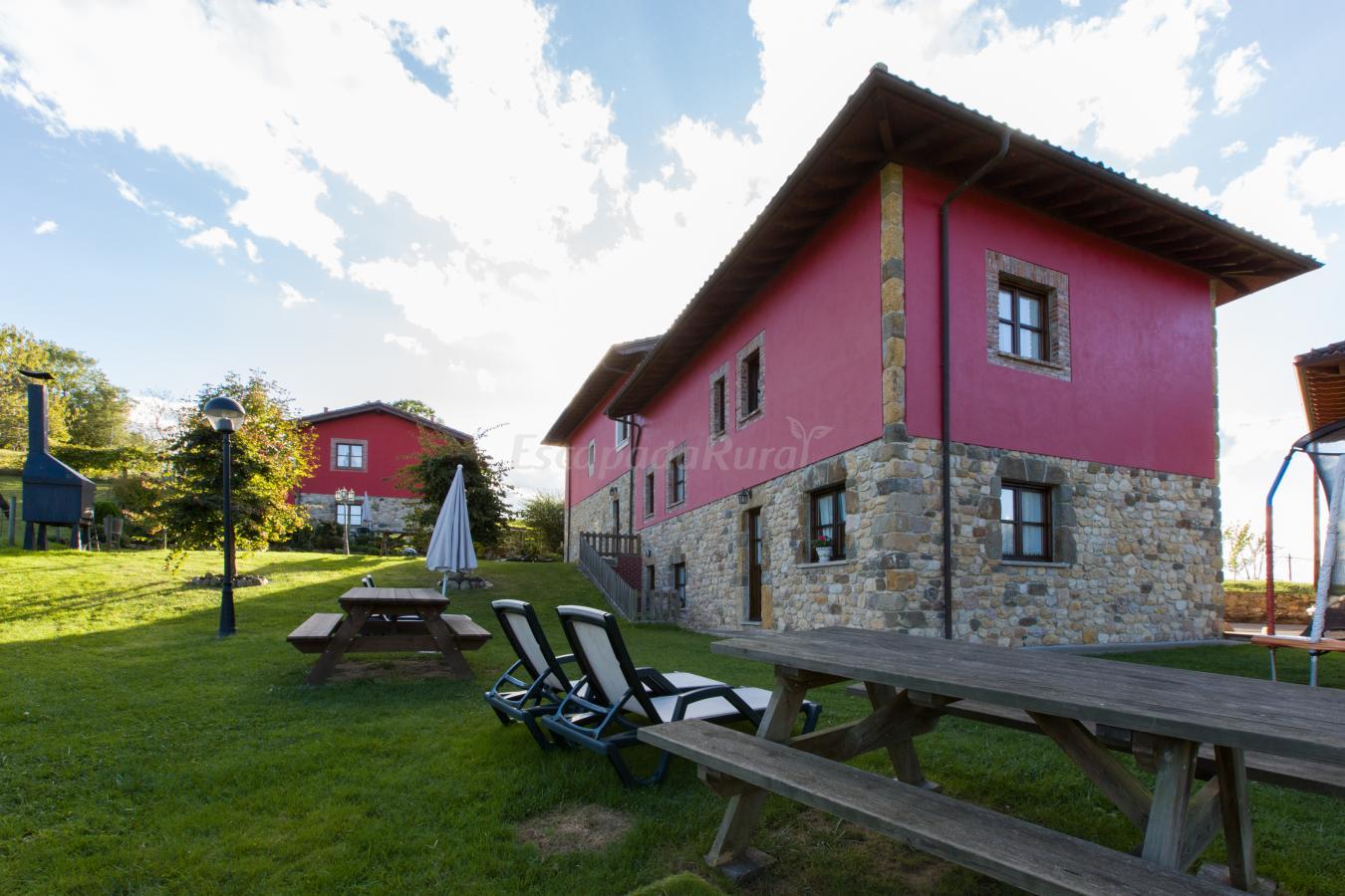 Fotos de apartamentos rurales la quintana de romillo casa rural en arriondas asturias - Apartamentos baratos asturias ...