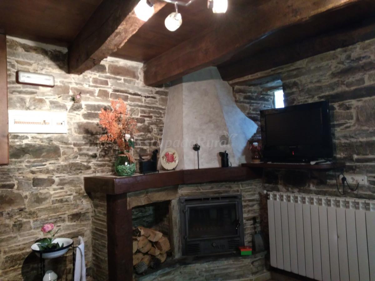 Fotos de la posada de oscos casa rural en santa eulalia - Chimeneas santaeulalia ...