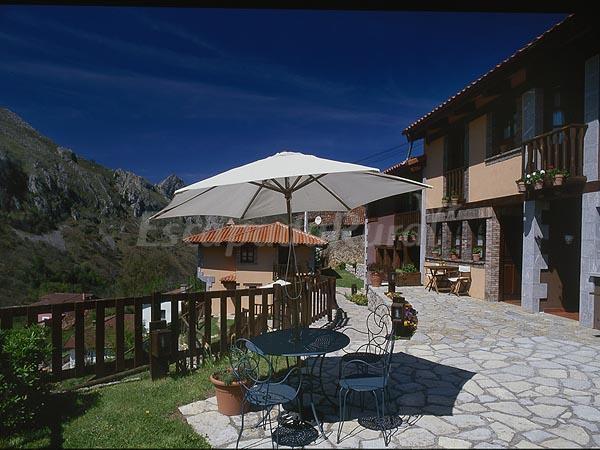 Precios de casas rurales y apartamentos la riba casa rural en amieva asturias - Apartamentos baratos asturias ...