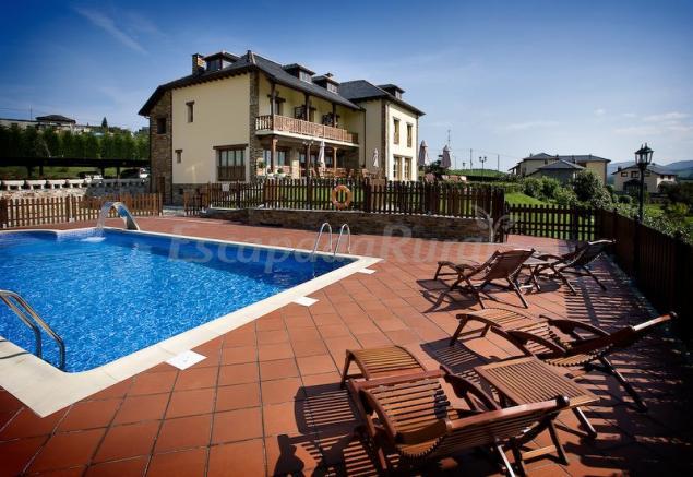 12 casas rurales en navia asturias for Hoteles con piscina asturias