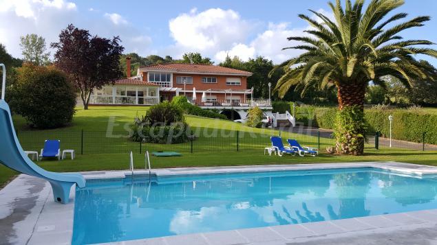 Hotel ribadesella casa rural en ribadesella asturias for Piscinas asturias