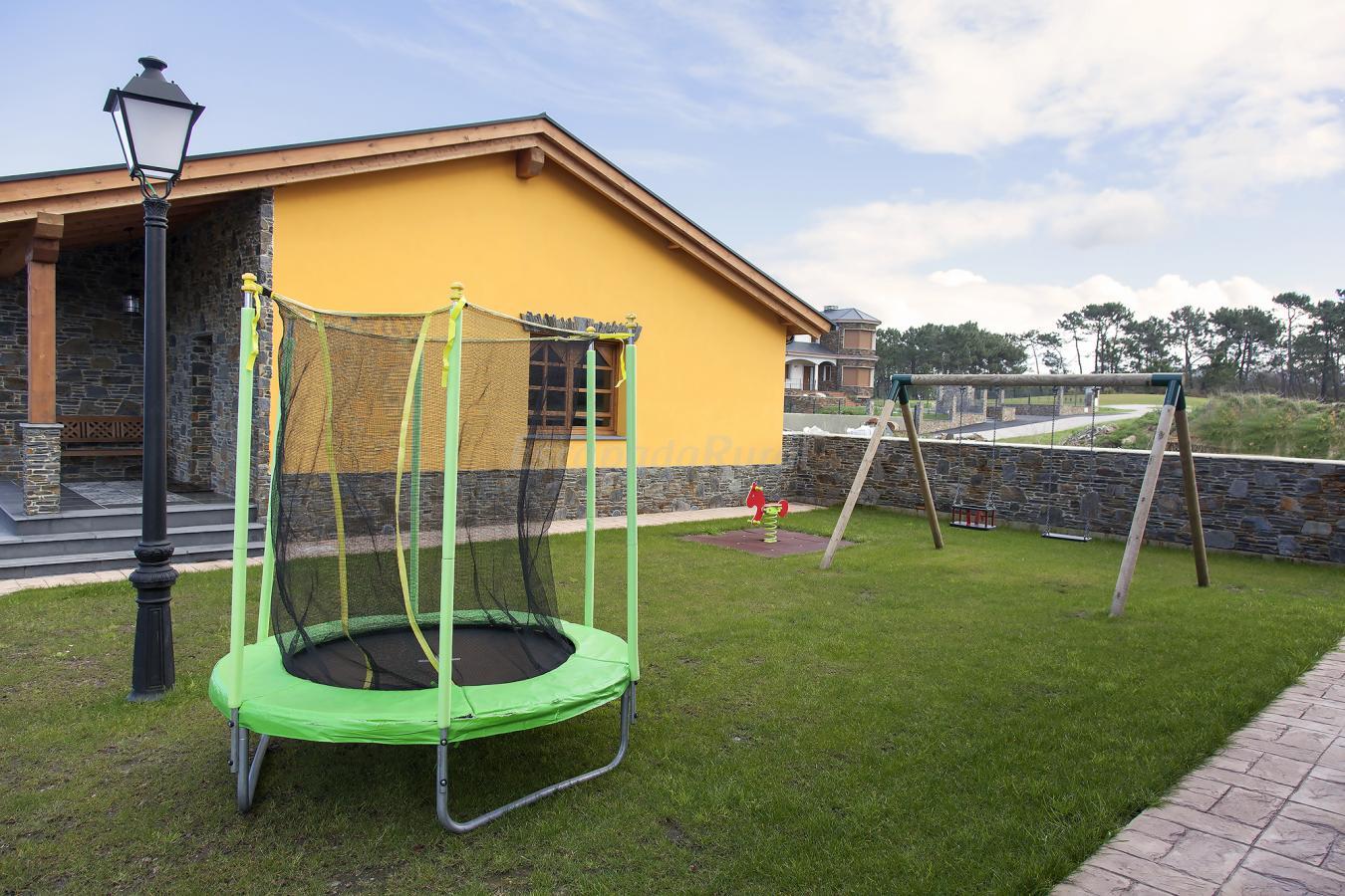 Fotos de apartamentos rurales el capricho de gonzalo - Casas rurales en asturias para 4 personas ...