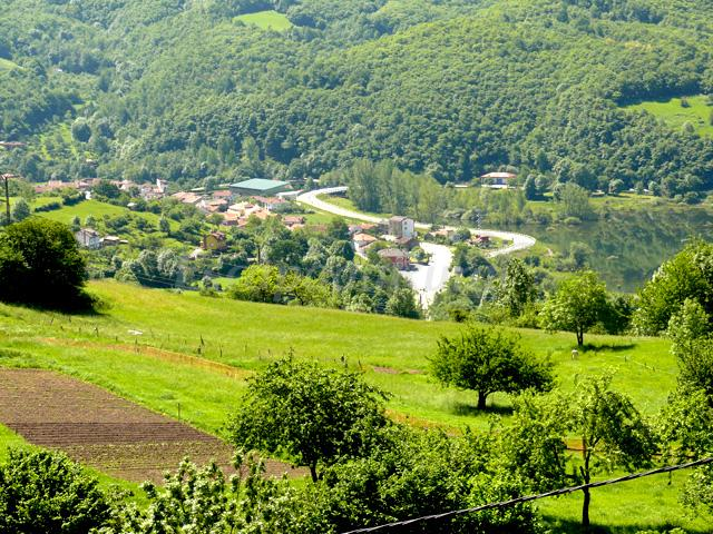 Fotos de apartamentos la cantera casa rural en sobrescobio asturias - Apartamentos baratos asturias ...
