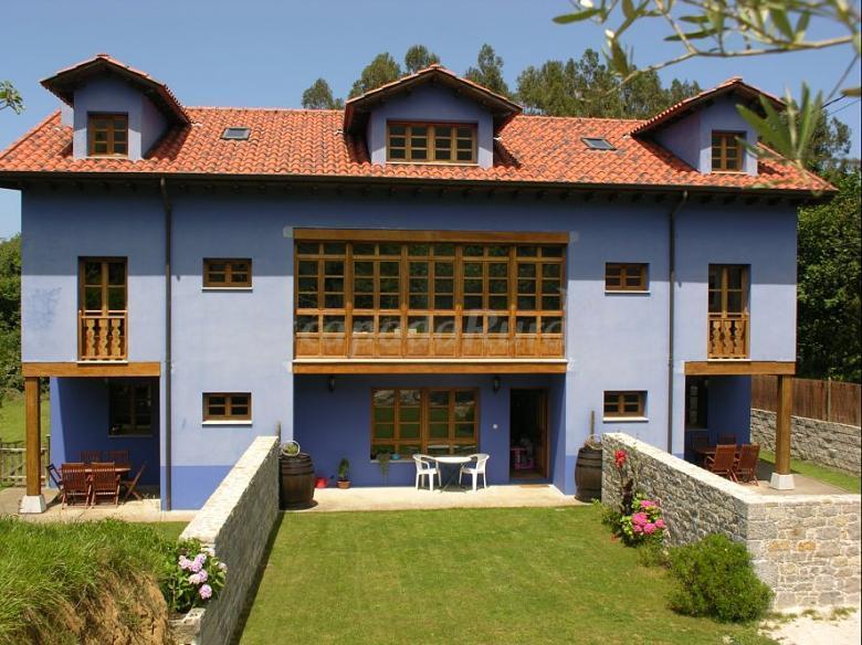 Fotos de apartamentos rurales la lloberiza casa rural en ribadesella asturias - Apartamentos baratos asturias ...