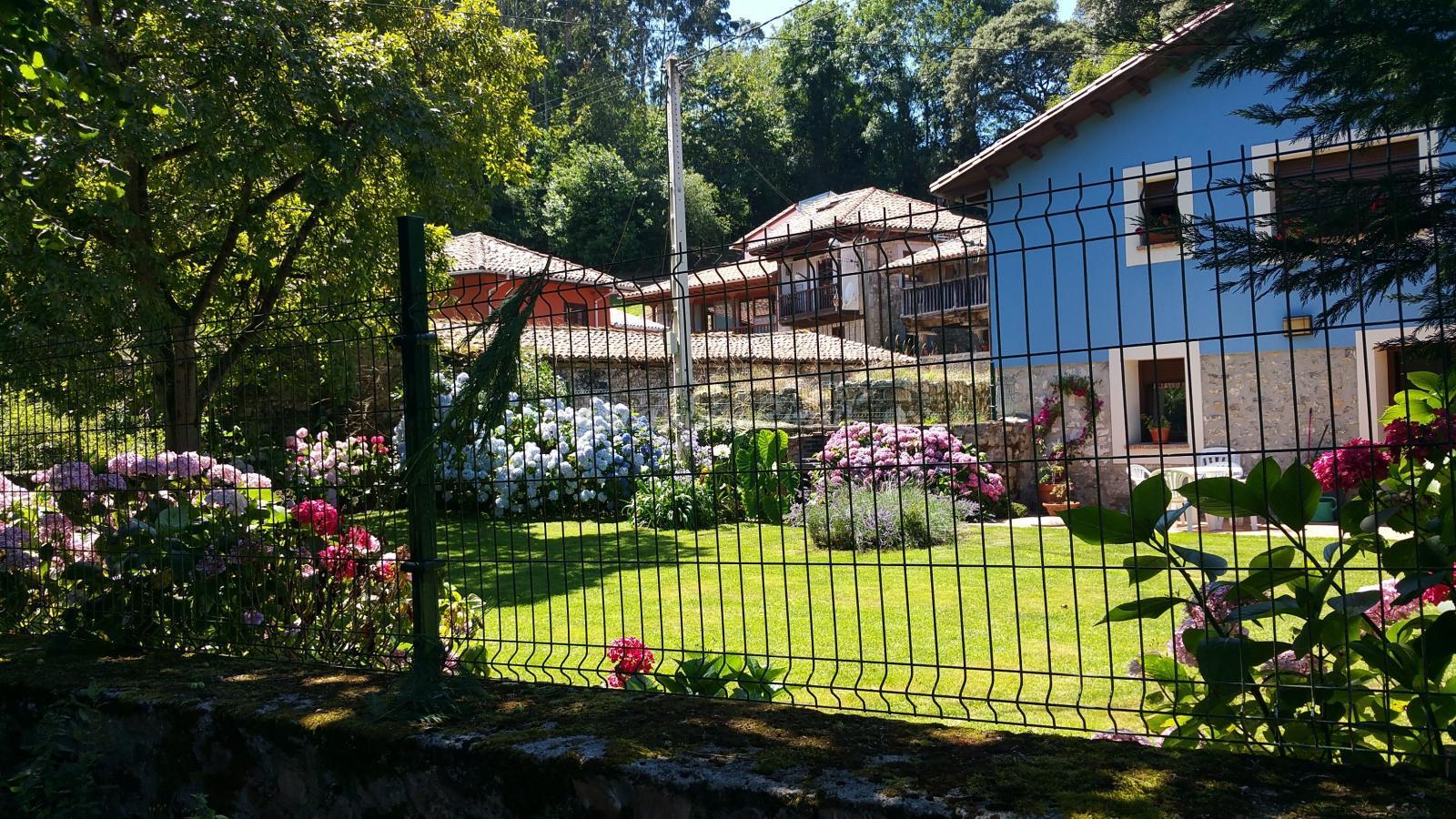 Fotos de casa de aldea el toral de rales casa rural en llanes asturias - Casas de aldea asturias ...