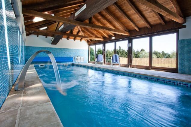 Hotel rural spa casa cach n casa rural en castropol for Hoteles con piscina asturias