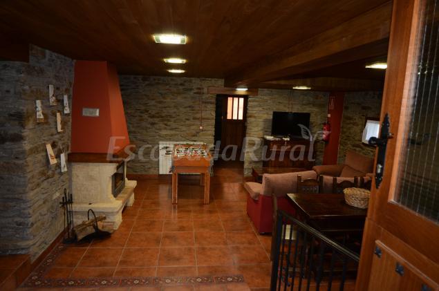 19 casas rurales con piscina en occidente de asturias for Casas rurales en badajoz con piscina