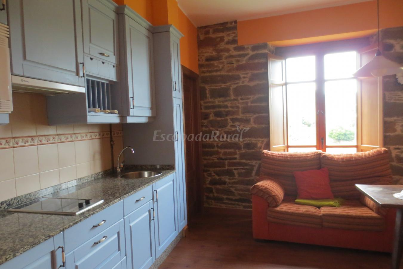 Foto di apartamentos helenias casa vacanze aboal asturias - Apartamentos baratos asturias ...