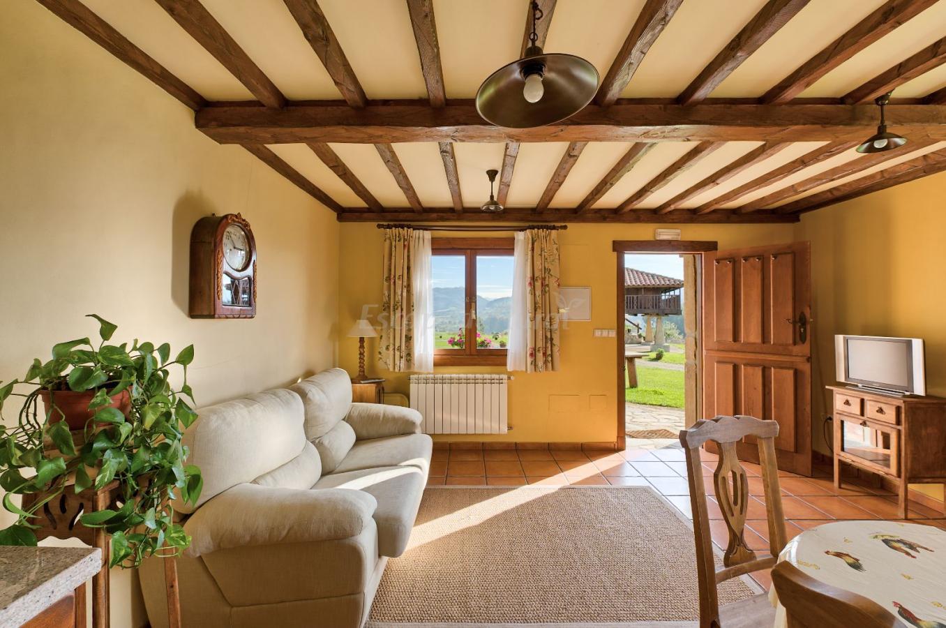 Fotos de apartamentos rurales el mirador de cazanes casa rural en villaviciosa asturias - Apartamentos baratos asturias ...