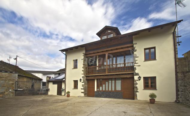 Caxila apartamentos rurales casa rural en luarca asturias - Casa rural luarca ...